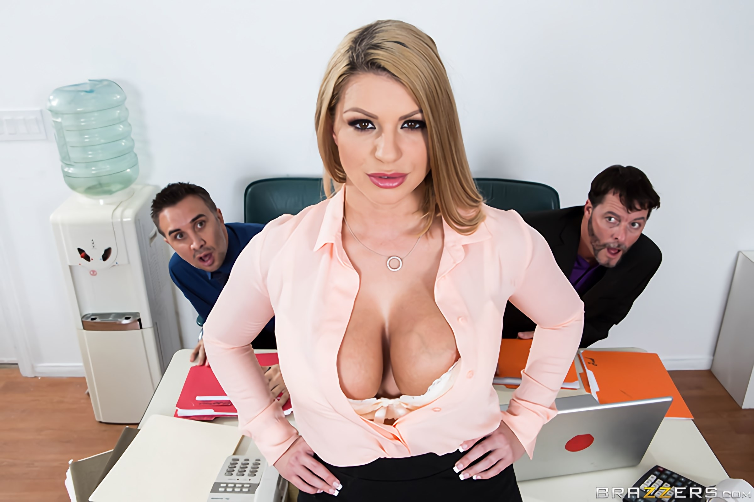 Brooklyn Chase - A Case of the Moan Days | Picture (10)