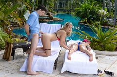 Anna Bell Peaks - Milfs On Vacation- Part 2 | Picture (11)
