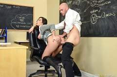 Karlee Grey - No Bubblecum In The Classroom | Picture (2)