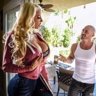 Nicolette Shea in 'Can You Fix My Wi-Fi'