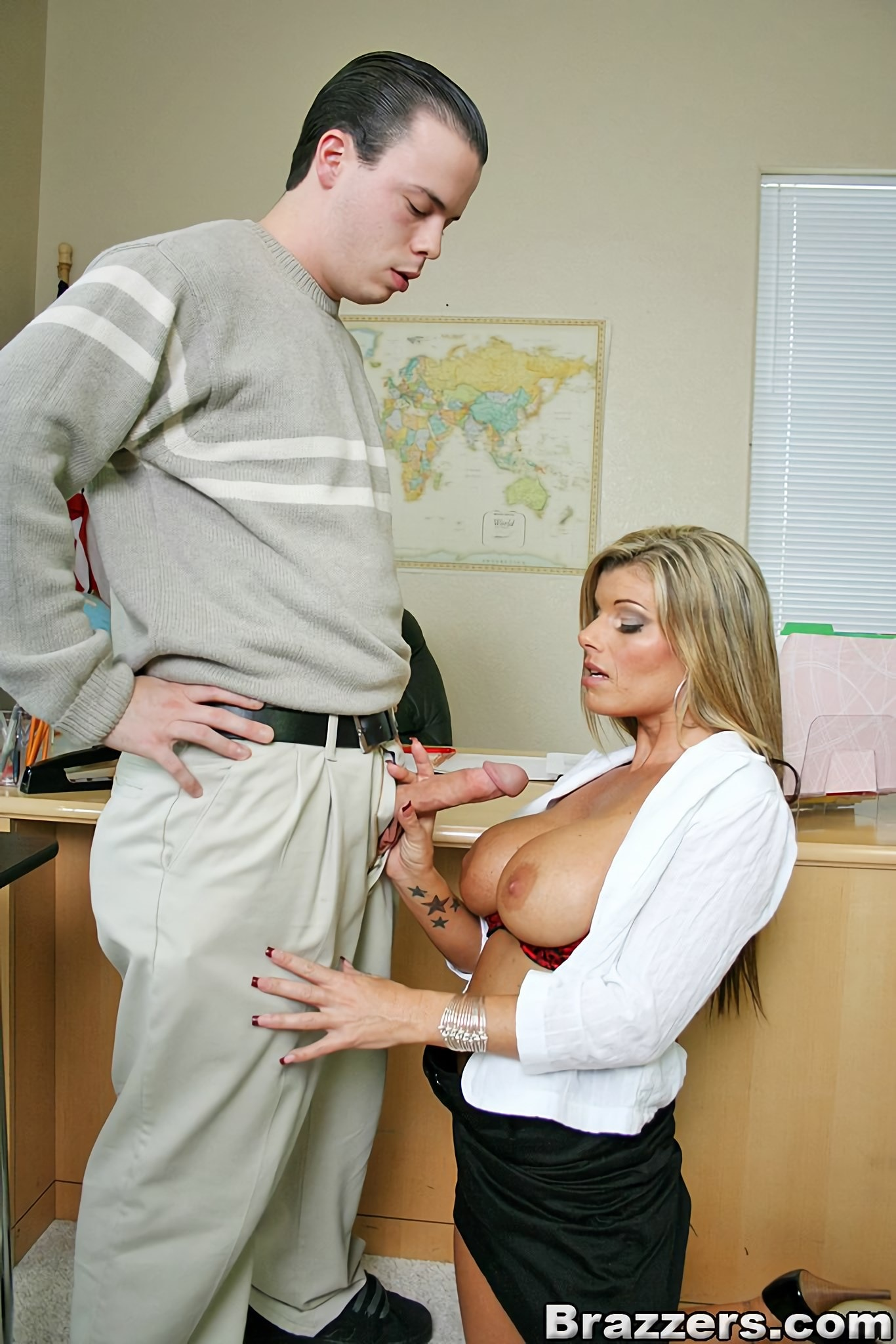 Kristal Summers - The Teachers Pet | Picture (4)
