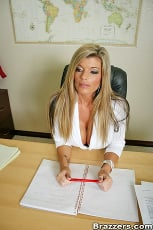 Kristal Summers - The Teachers Pet | Picture (2)