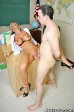 Kristal Summers - The Teachers Pet | Picture (14)