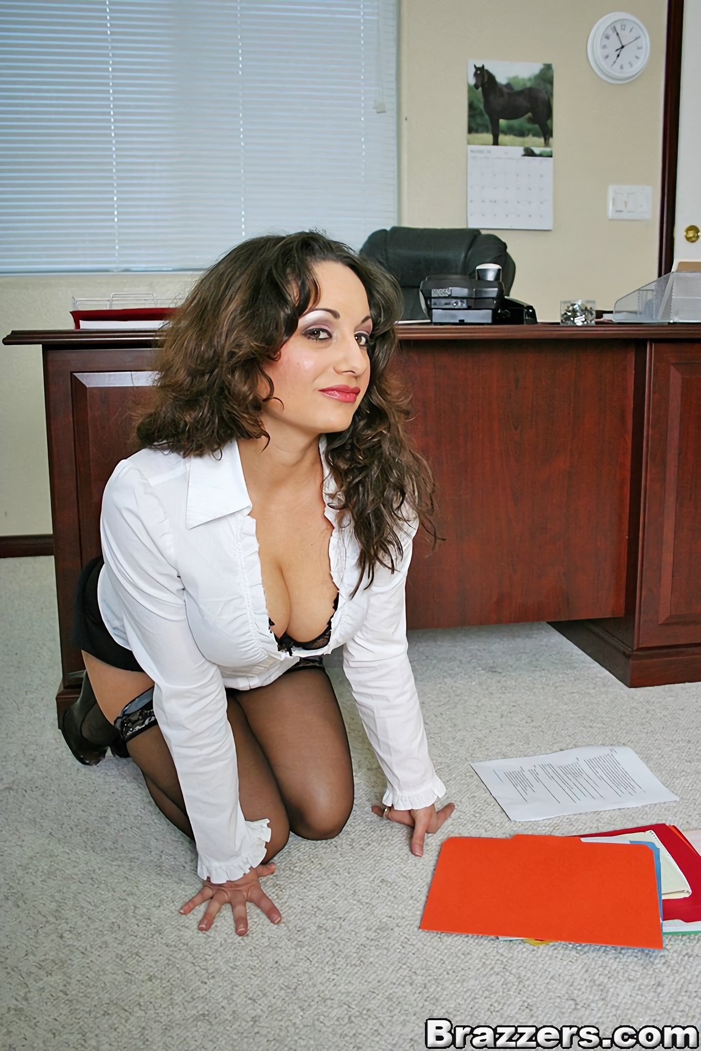 Isabella Manelli - Janitorial Duties | Picture (4)
