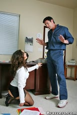 Isabella Manelli - Janitorial Duties | Picture (5)