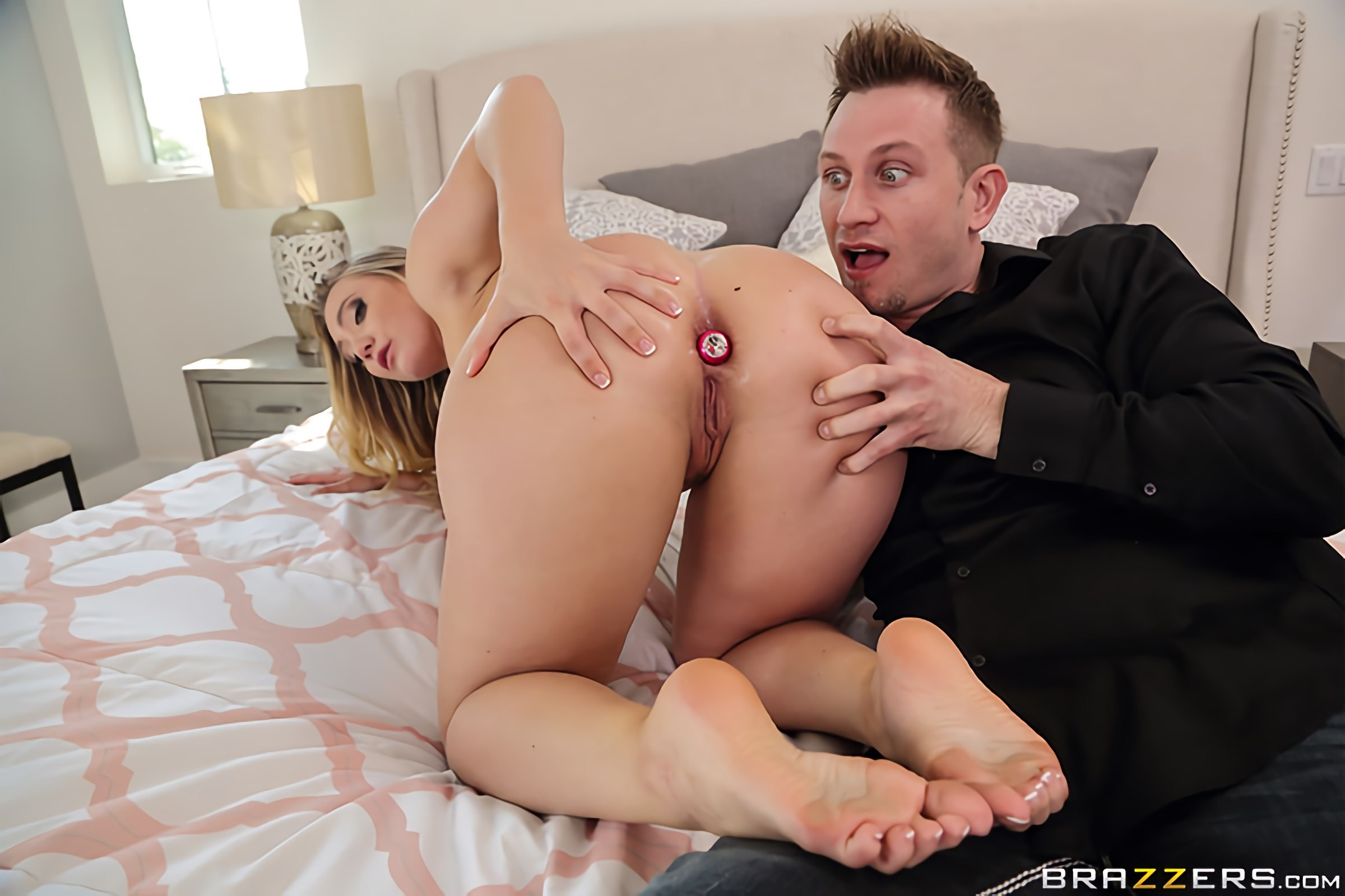 AJ Applegate - Anal Surprise Party | Picture (2)
