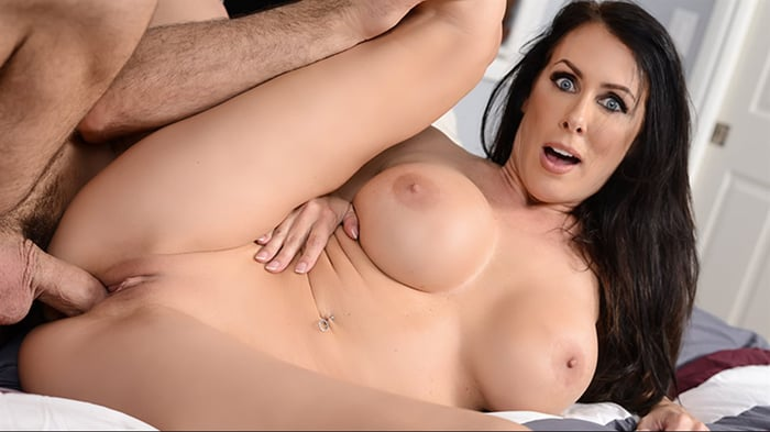 Reagan Foxx in Lost and Pound