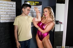 Rebecca More - Flex and Sex | Picture (1)