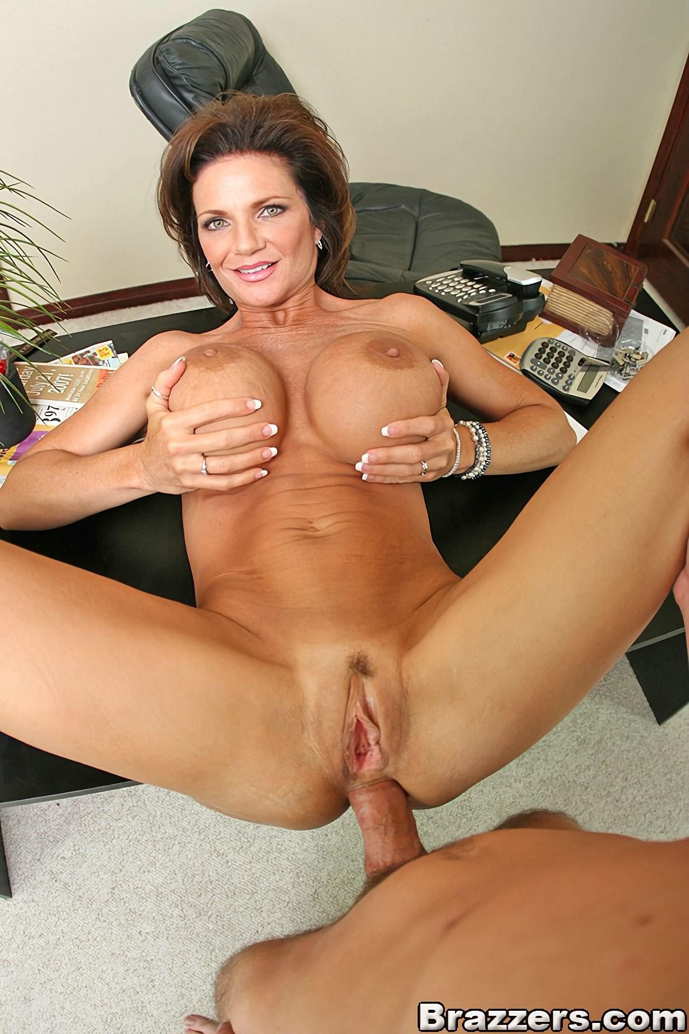 Young milf in heat