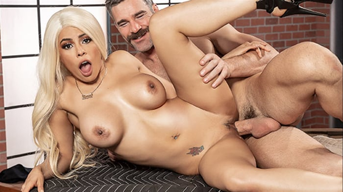 Luna Star in Bomb Pussy
