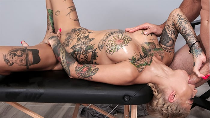 Bonnie Rotten in A Massage For Bonnie