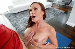 Diamond Foxxx - Massaging The MILF | Picture (2)
