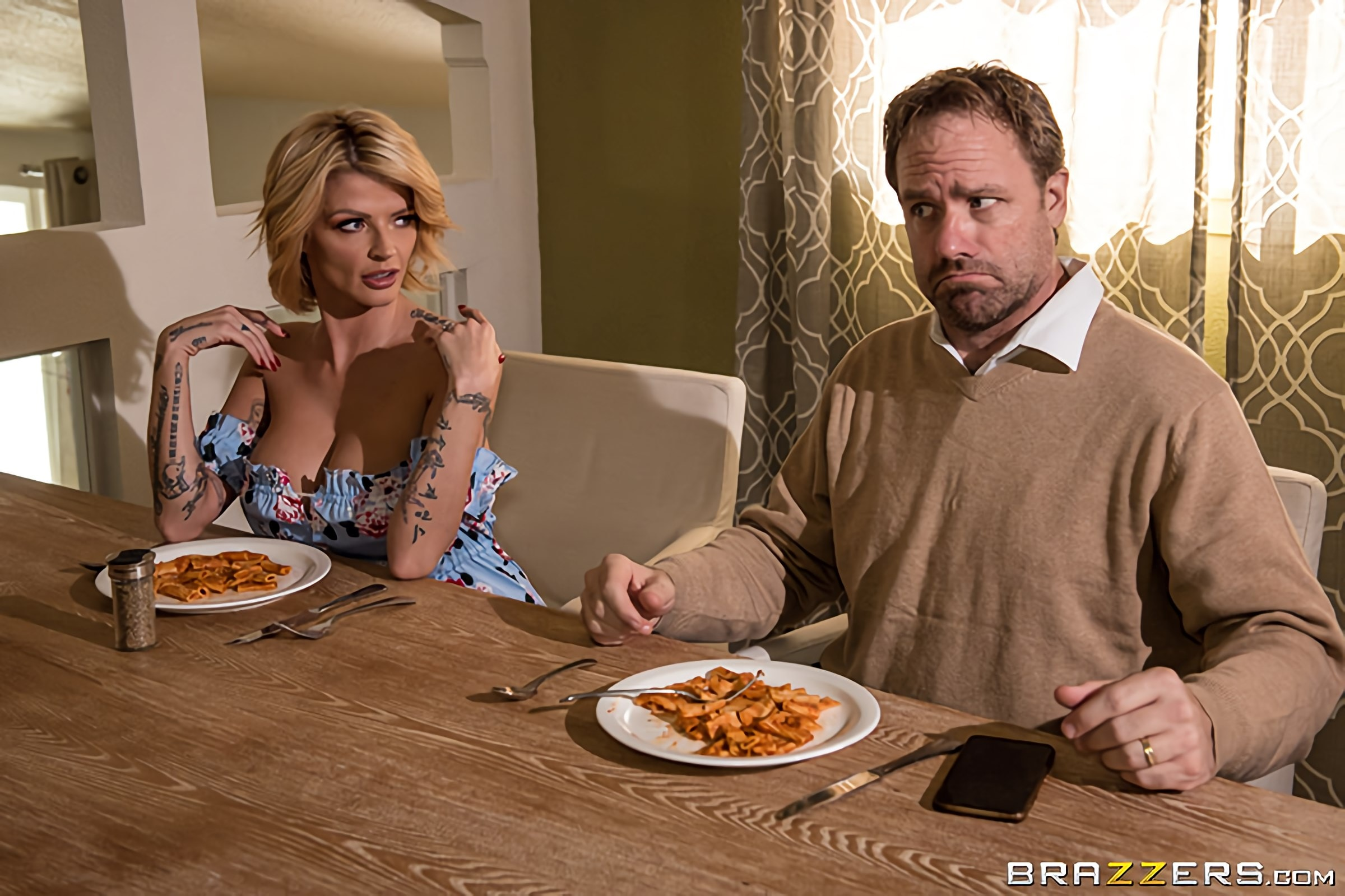 Joslyn James - Sneaky Mom, Clueless Dad | Picture (1)
