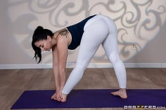 Mandy Muse - Yoga Freaks 10 | Picture (1)