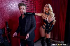 Nicolette Shea - A Night in Nicolette | Picture (1)