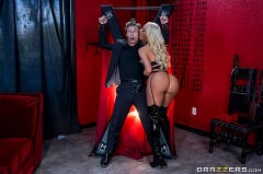 Nicolette Shea - A Night in Nicolette | Picture (2)