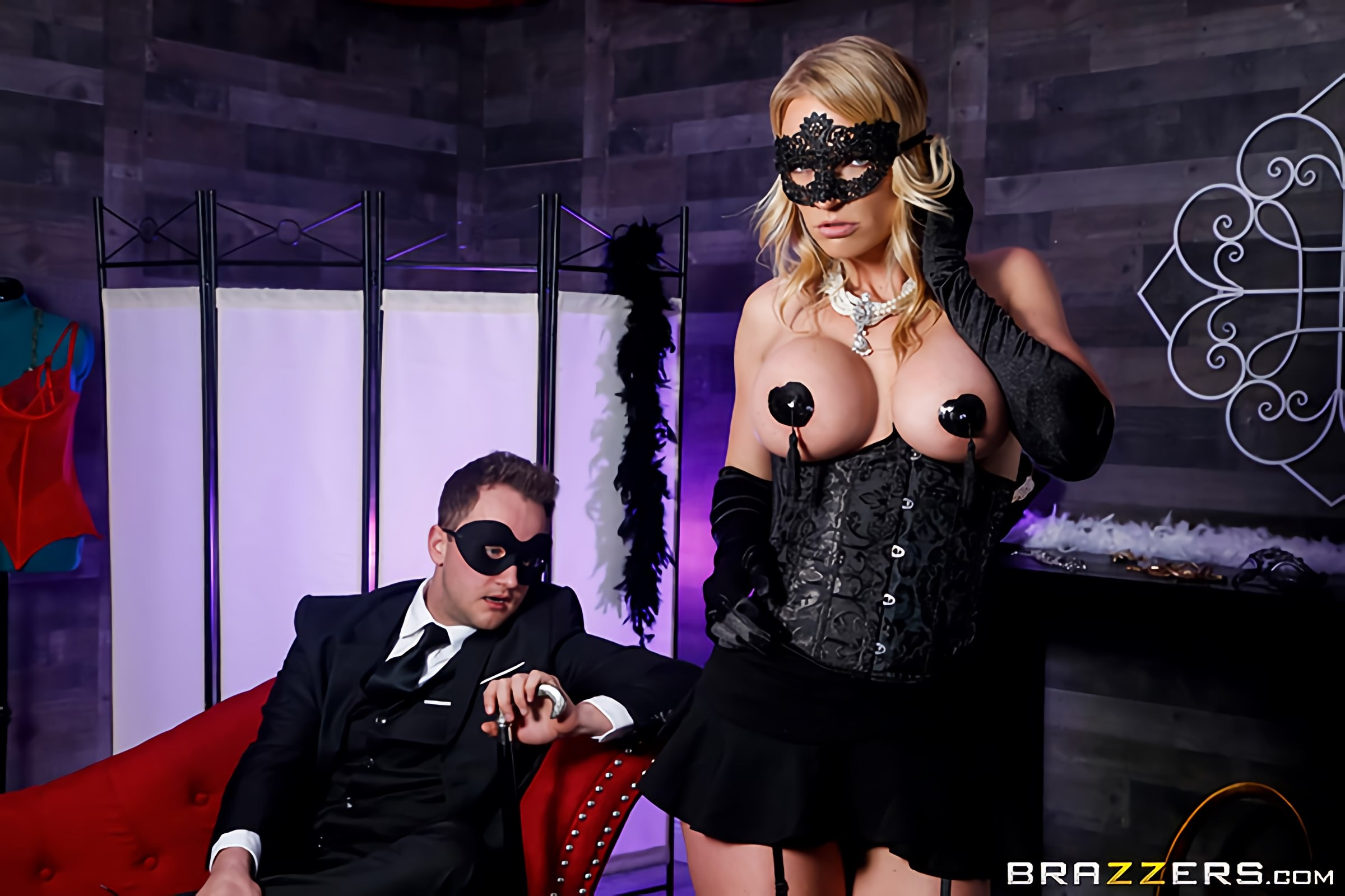 Rachael Cavalli - Masquerade Ball-Sucking | Picture (1)