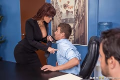 Syren De Mer - Red Hot Boss From Hell | Picture (1)