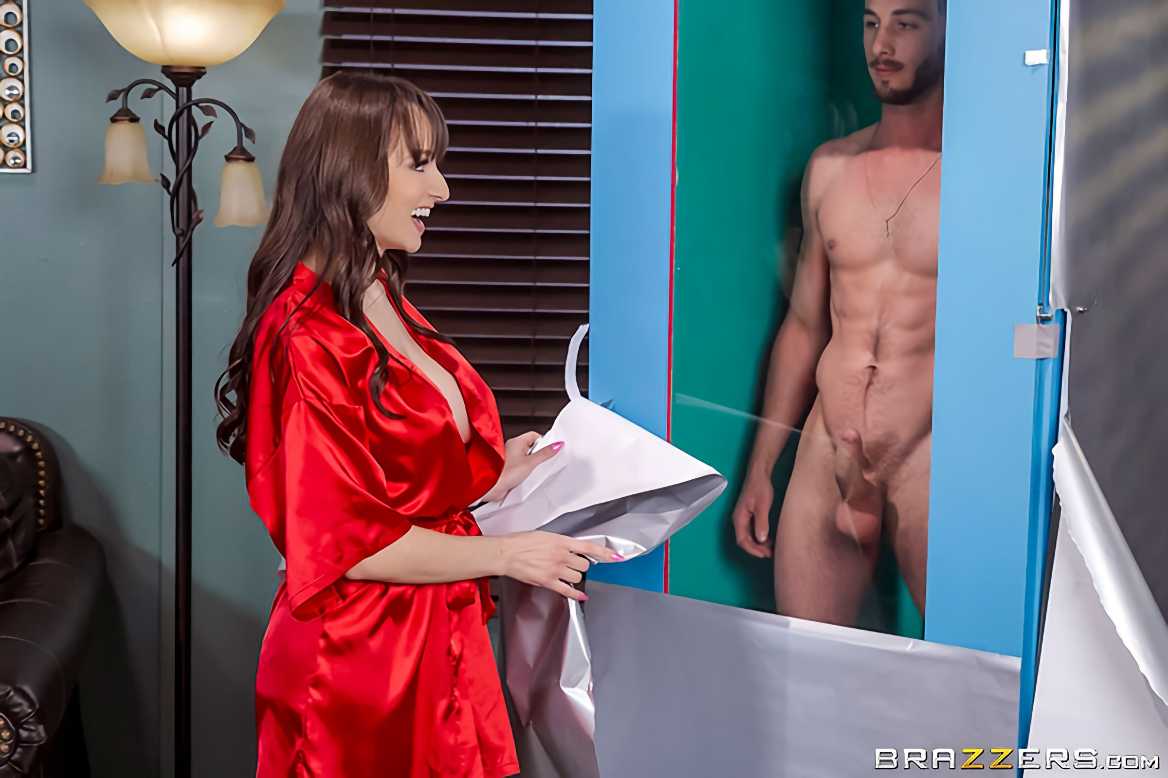 Lexi Luna - The Boy Toy Deluxe | Picture (3)