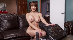 Lexi Luna - The Boy Toy Deluxe | Picture (6)