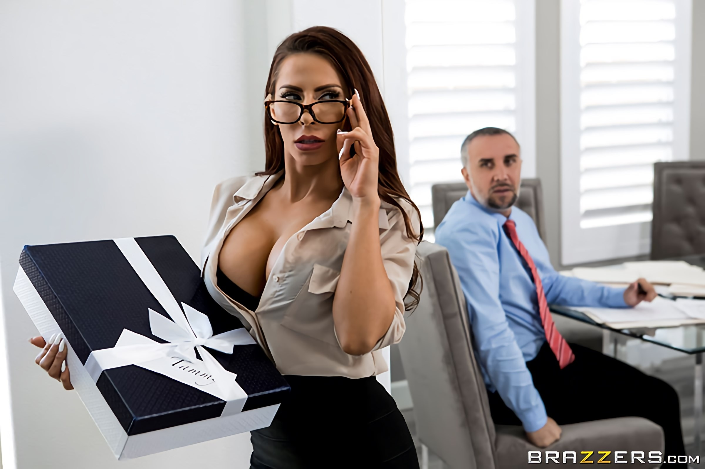 Madison Ivy - The Assistant's Affair | Picture (1)