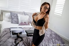 Madison Ivy - The Assistant's Affair | Picture (2)