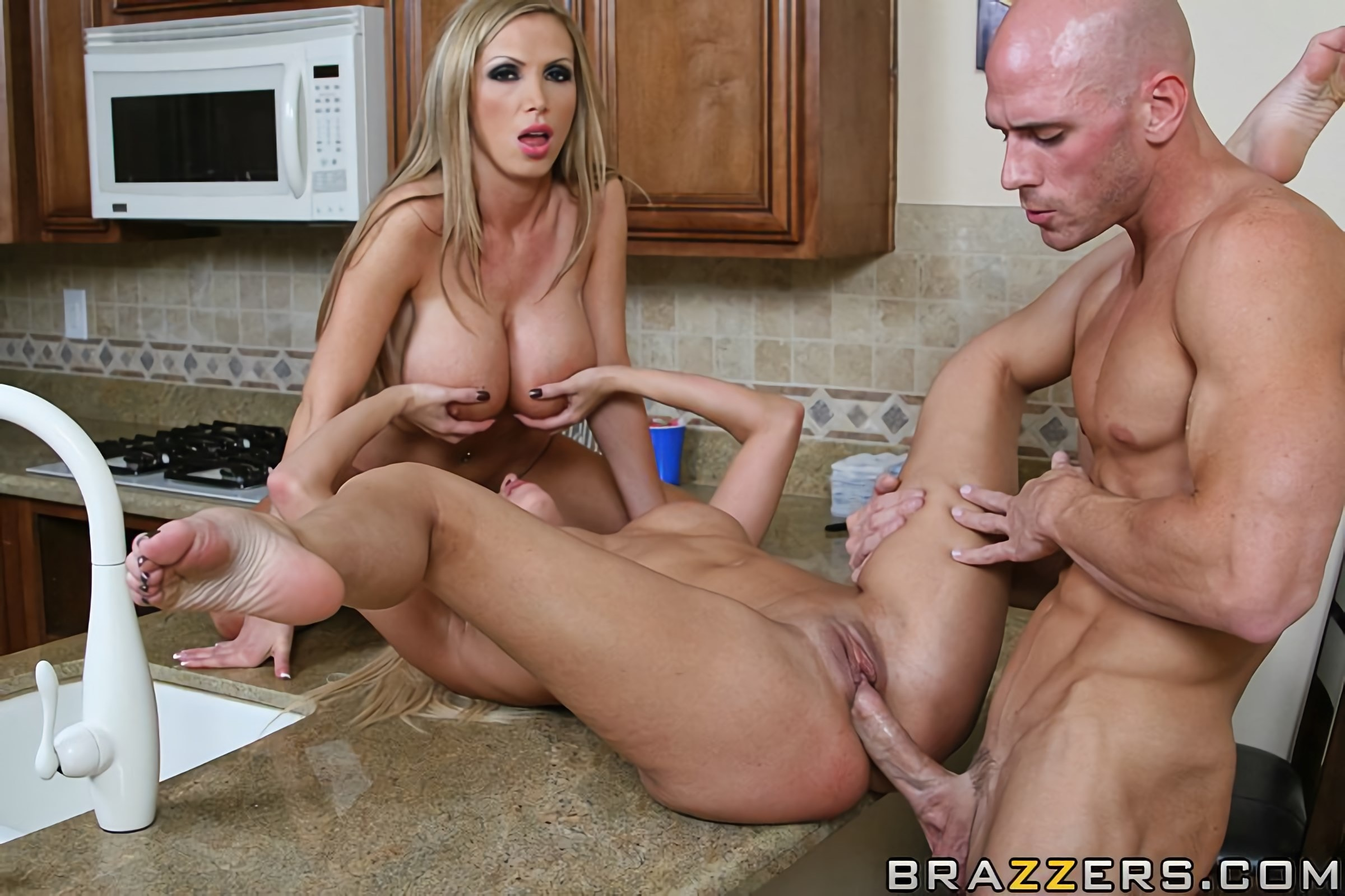 Nikki Benz - The Impostor | Picture (11)