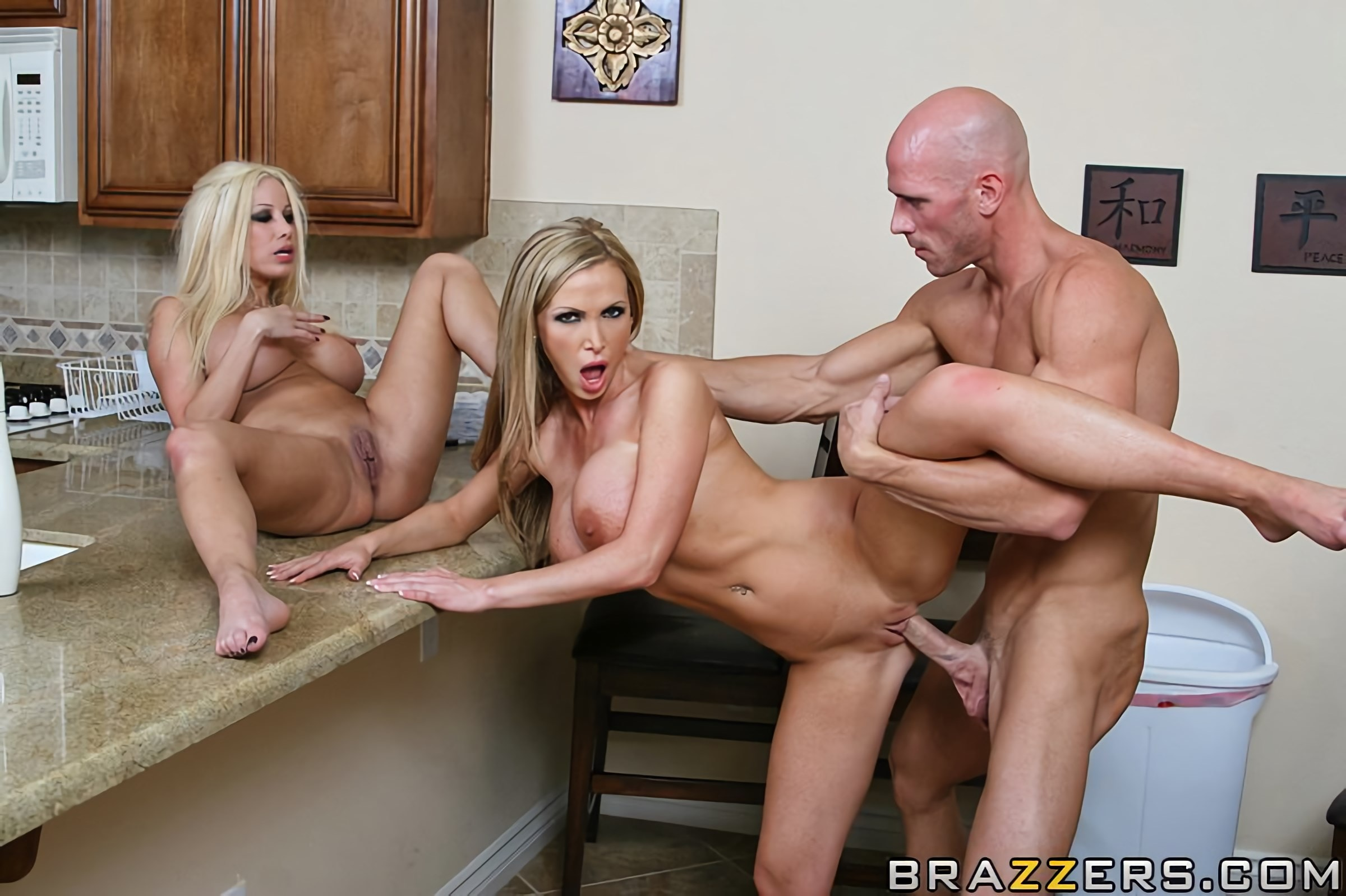 Nikki Benz - The Impostor | Picture (13)