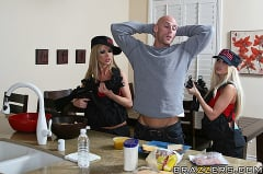 Nikki Benz - The Impostor | Picture (8)