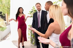 Ariana Marie - The Bangin' Bridesmaid | Picture (1)