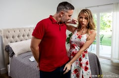 Linzee Ryder - An Extra Buck | Picture (2)