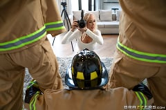 Brandi Love - Red-Hot Calendar Shoot | Picture (2)