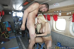 Gina Lynn - Sex on a Plane | Picture (9)