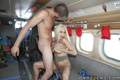 Gina Lynn - Sex on a Plane | Picture (12)