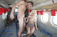Gina Lynn - Sex on a Plane | Picture (14)