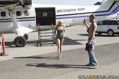 Gina Lynn - Sex on a Plane | Picture (15)