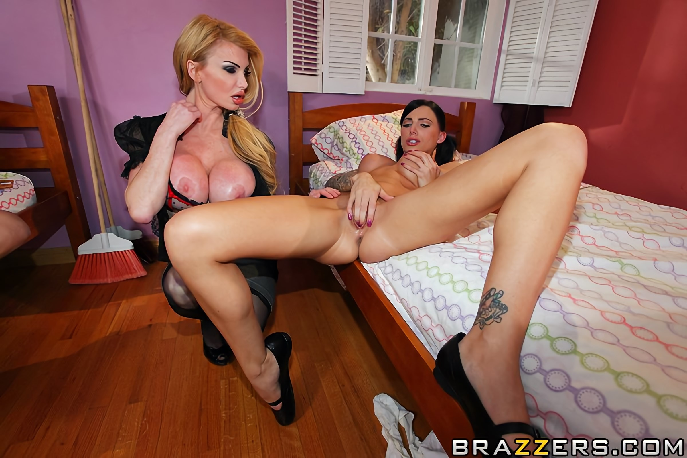 Capri Cavalli - Head Mistress Goes Rogue | Picture (9)