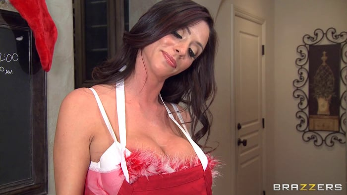 Ariella Ferrera in Milf And Cookies