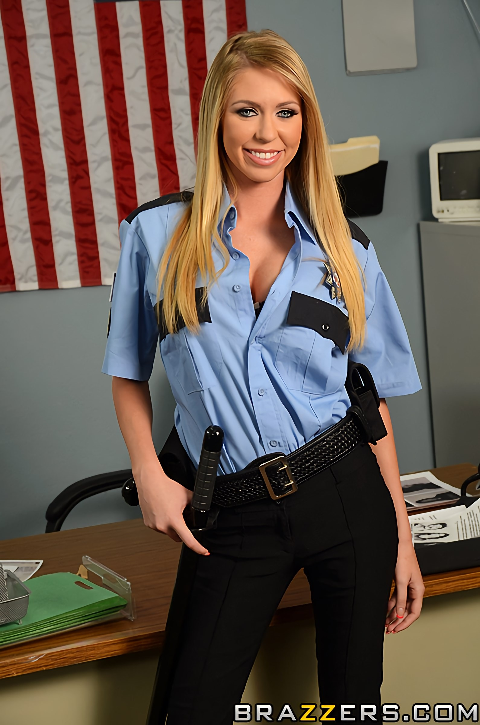 Brynn Tyler - Pop on the Cop | Picture (1)