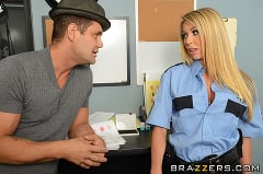 Brynn Tyler - Pop on the Cop | Picture (5)