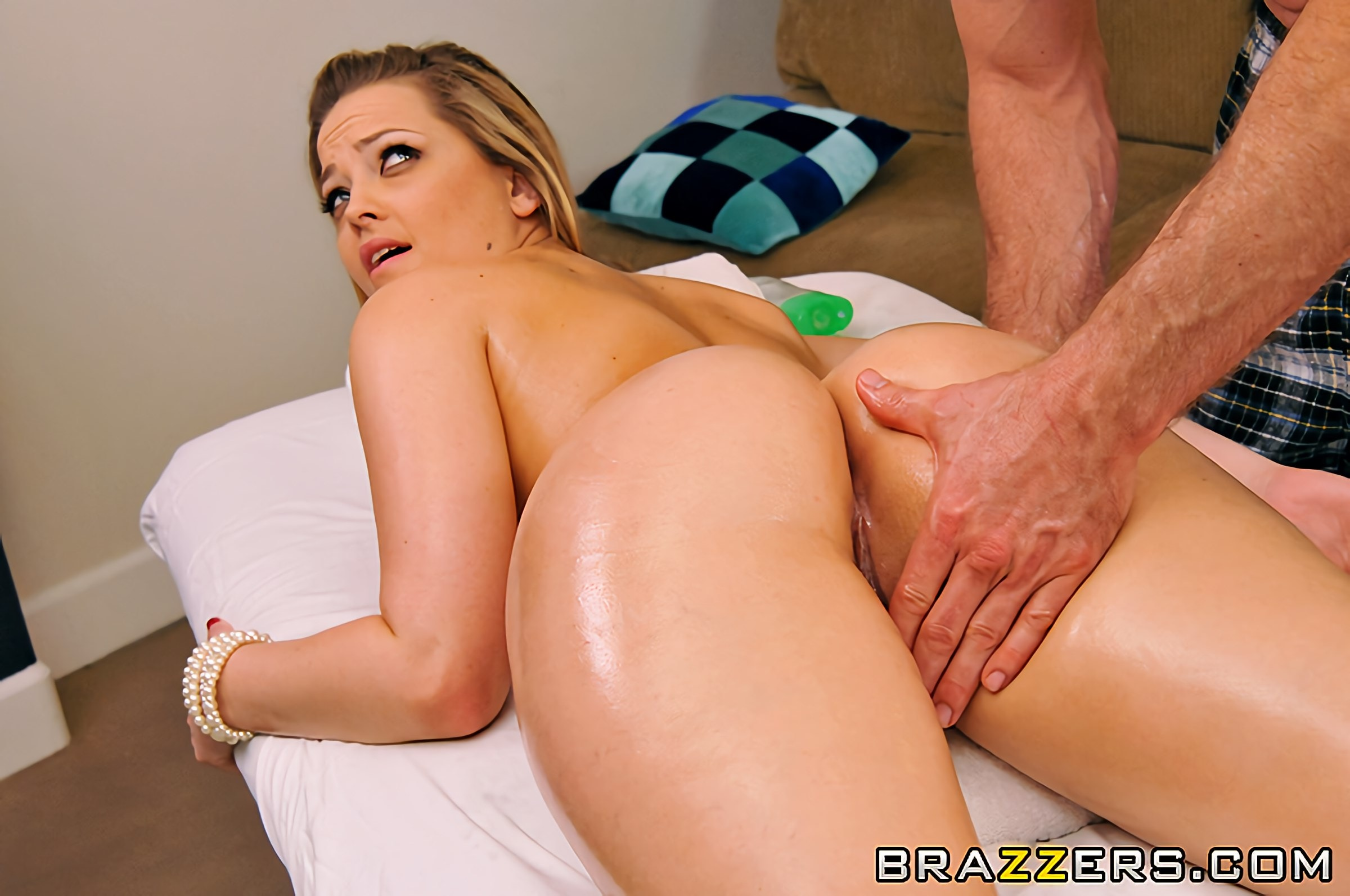 Alexis Texas - A Texas-Sized Massage | Picture (5)