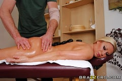 Devon Lee - Hot Stone Massage | Picture (6)