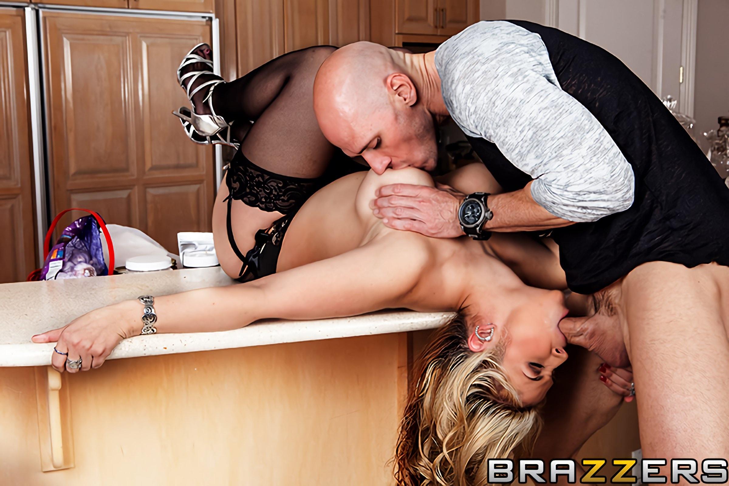 Amateur blonde wife pleasures husband friend