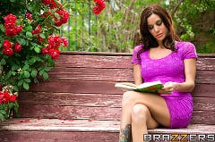 Gia Dimarco - Housewife by Day, Whore by Night | Picture (2)