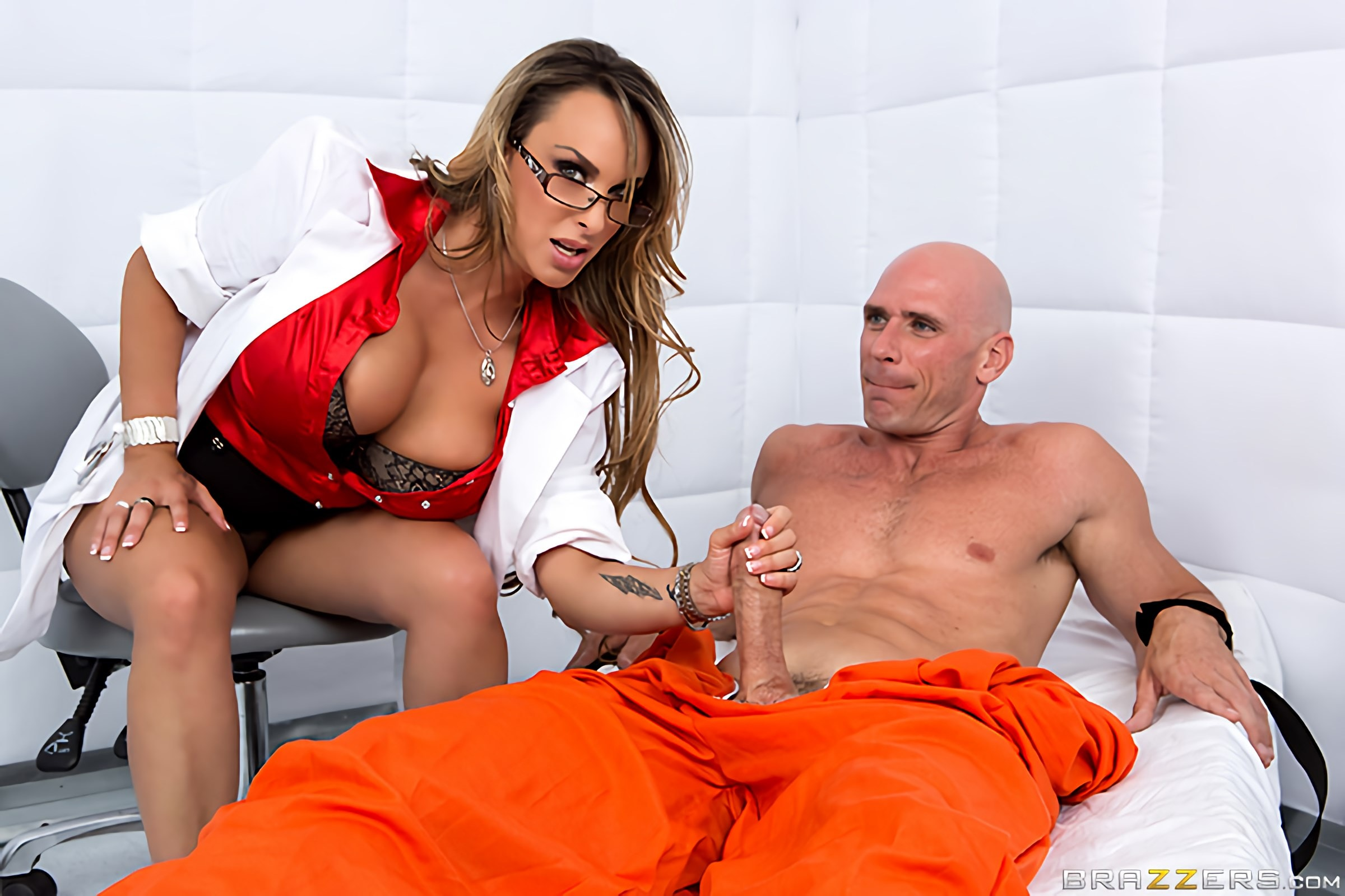 Holly Halston - Jailhouse Fuck | Picture (7)