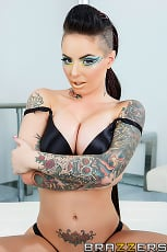 Christy Mack - Science Friction | Picture (11)