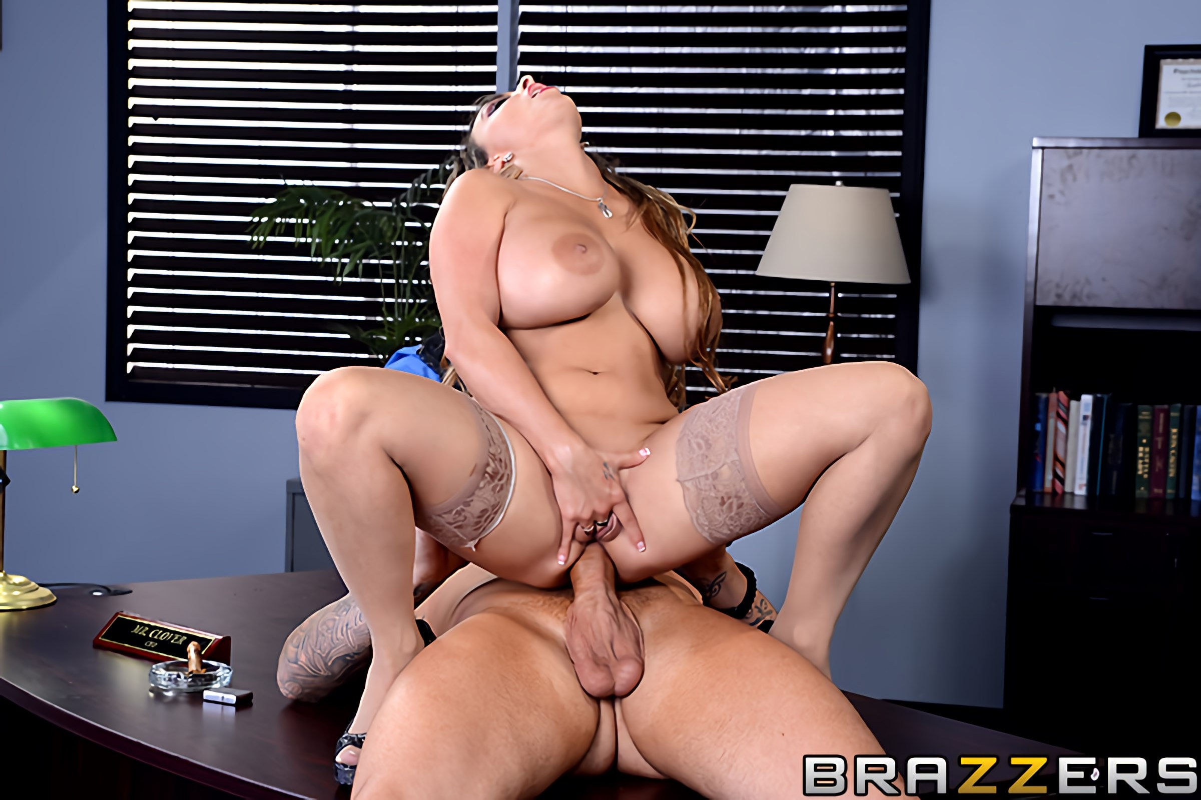 Holly Halston - Im the Boss Now, Bitch | Picture (4)