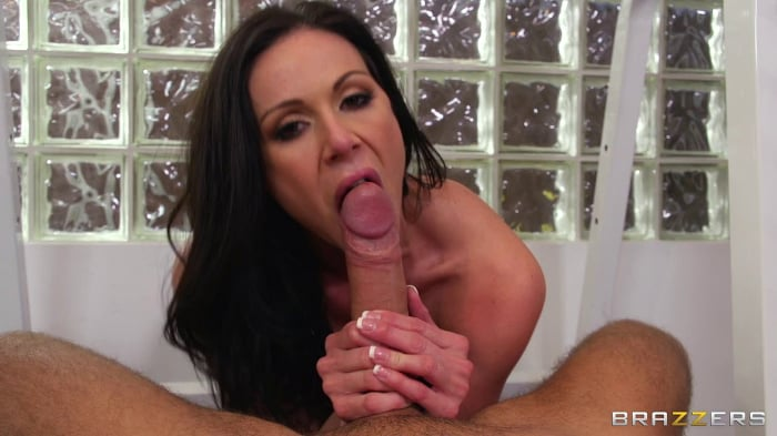 Kendra Lust in Going Deep at the Gym