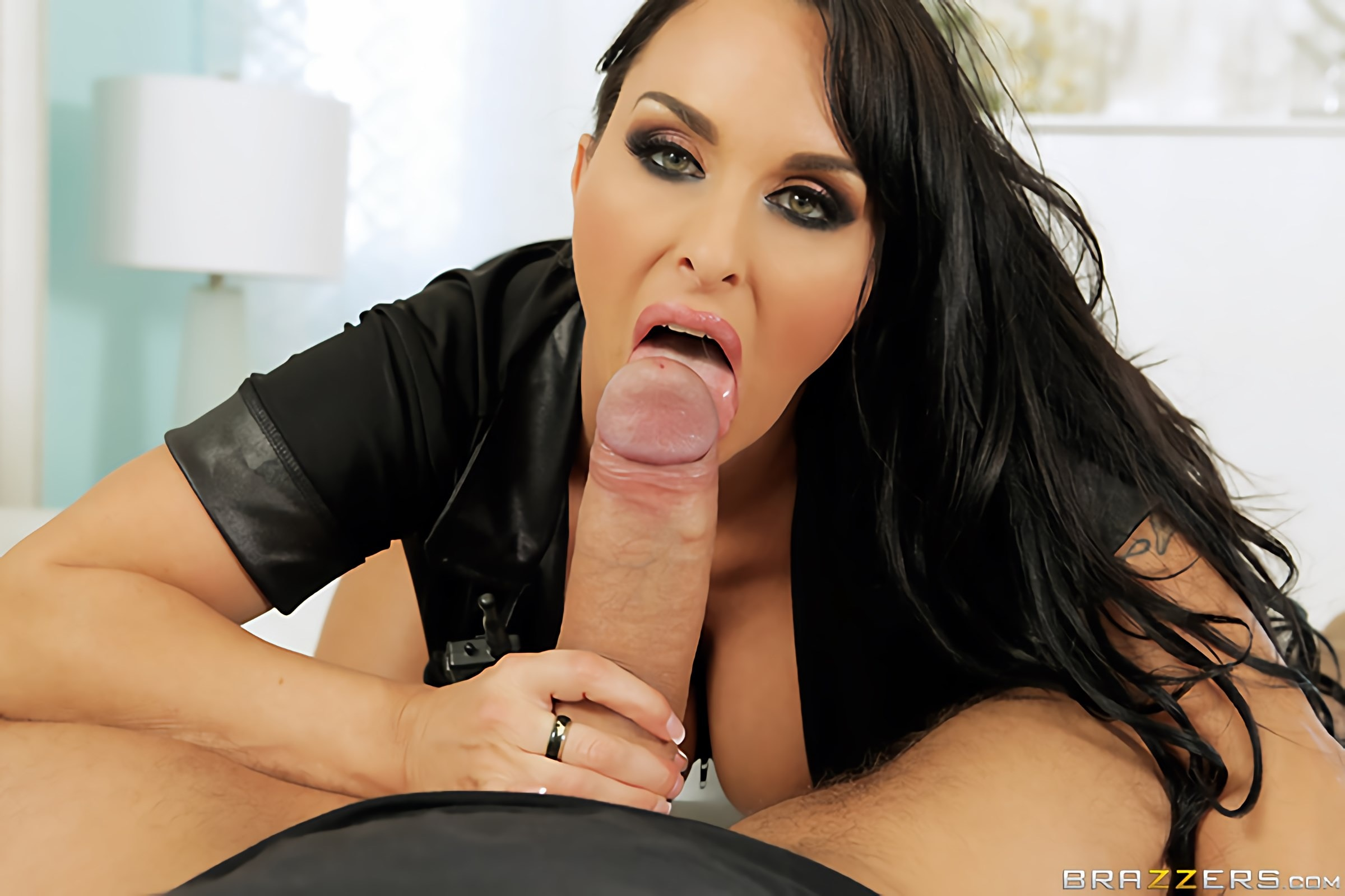 Holly Halston - Freeze, Fucker | Picture (8)