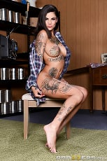 Bonnie Rotten - The Gaped Crusader | Picture (1)
